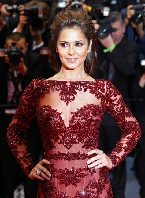 as mrs fernandez versini goes for the chop we reveal goodbye cheryl cole newly remarried singer officially
