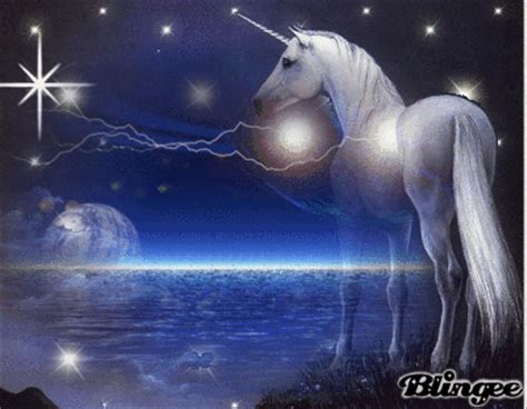 imagenes de unicornios con movimiento unicornio a la distancia fotograf 237 a 124599416 blingee com