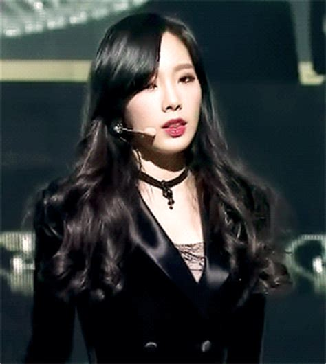 late tbt taeyeon mr mr live gifs | k pop amino