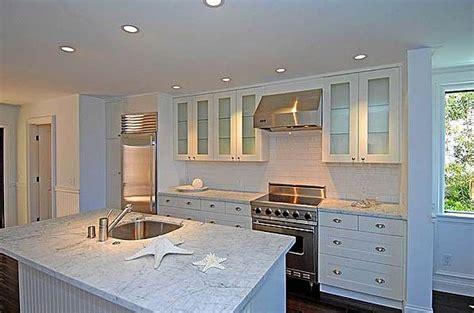 beach kitchen cabinets beach cottage kitchen cottage kitchen