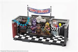 Sets based on smash hit horror series five nights at freddy s