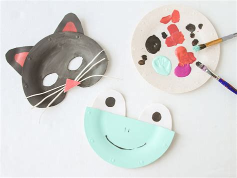 How To Make Animal Mask With Paper Plate - diy paper plate animal masks for momtastic