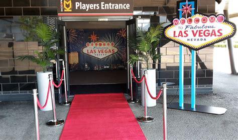 las vegas themed decorations uk bond 007 themed casino hire finesse casinos