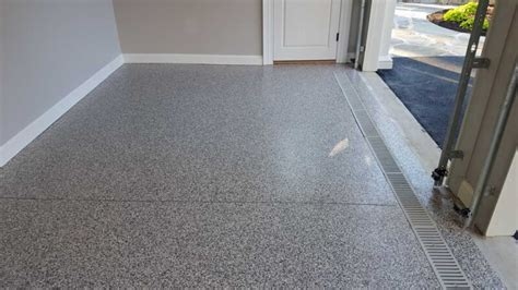 Epoxy Paint For Garage Floors by Epoxy Garage Floor Putting In An Epoxy Garage Floor Paint Epoxy Floor And The Oujays