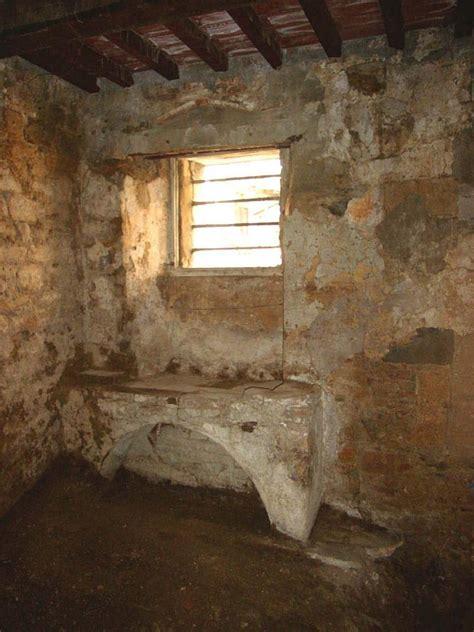 come rasare un soffitto arriccio ed intonaco di vecchi muri