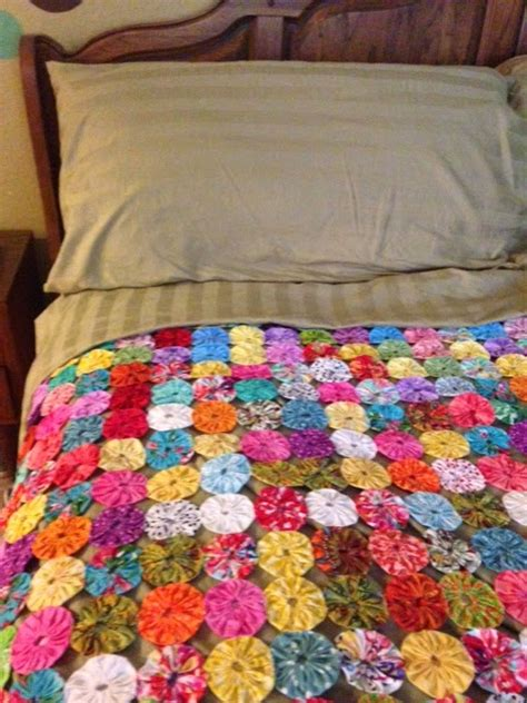 Yo Yo Quilt Projects by Buzzing And Bumbling A Great Beginner Project Tutorial