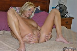 Amateur Blonde Milf Spread