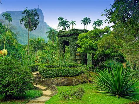 worlds  beautiful botanical gardens