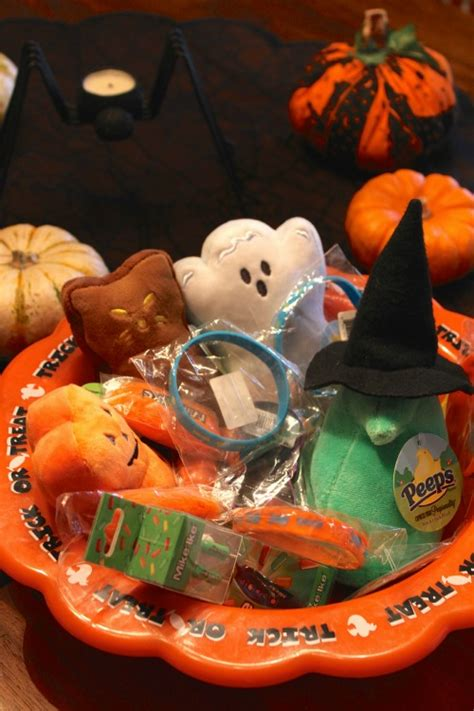 welcome food allergy trick or treaters on