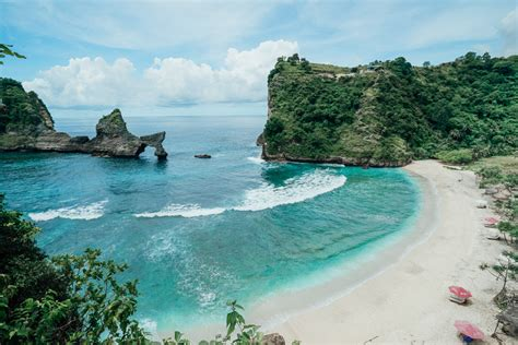 beautiful atuh beach  nusa penida bali journey era
