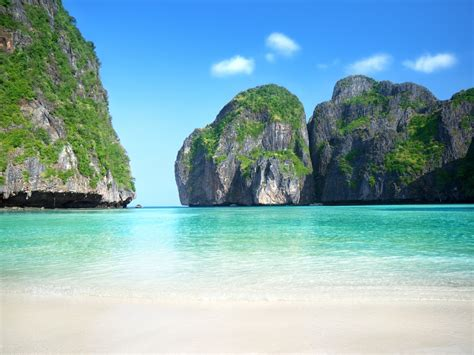 complete guide to the phi phi islands in thailand the phi phi islands