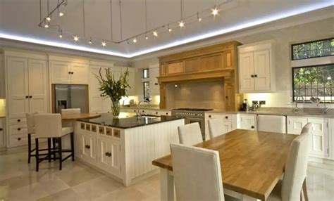 Cottage Kitchen Islands Cambridge Kitchens And Bathrooms By Interior Design
