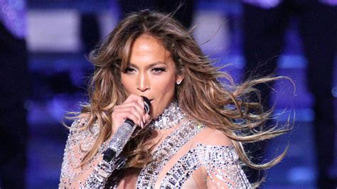 jlo sedere postpones las vegas shows in of