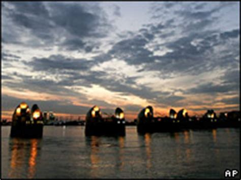 thames barrier effectiveness bbc news science nature extreme london flood investigated