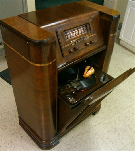 1942 philco radio beam of light phonograph works no res