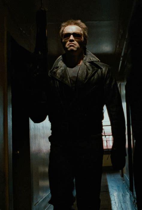Kaos Terminator Arnold best 25 the terminator 3 ideas on deathstroke