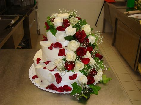 fiori con la u torta nuziale con i fiori le idee pi 249 unadonna