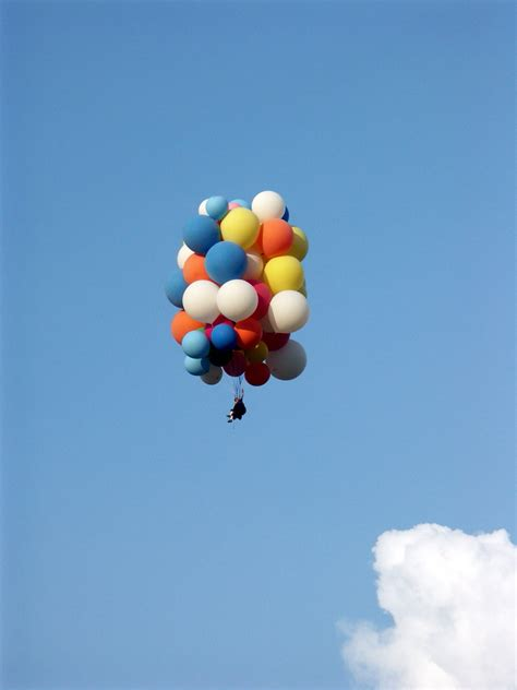 Lawn Chair Balloon by Cluster Ballooning