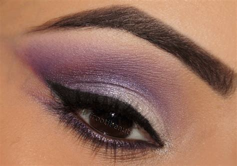 Eyeshadow Silver safiyah tasneem fff purple silver makeup look