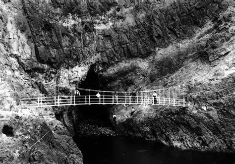 swinging northern ireland the gobbins swinging bridge view media northern