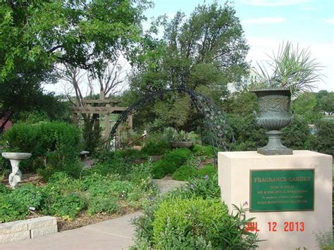 Amarillo Botanical Gardens Amarillo Tx Back Fence Picture Of Amarillo Botanical Gardens Amarillo Tripadvisor