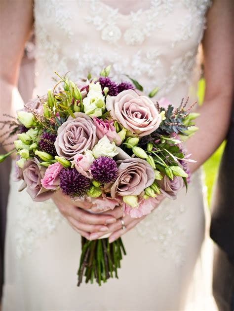 rustic dusty plum roses wedding bouquet flowers