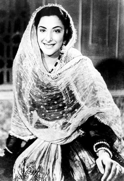 biography of mother india nargis dutt indian actress very hot and beautiful stills