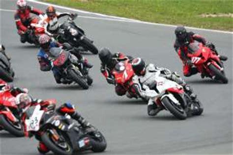Motorradrennen Klassen by Tnt Cup Oschersleben Motorrad Sport