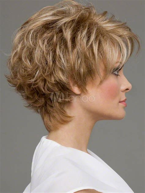 coupe courte frisee