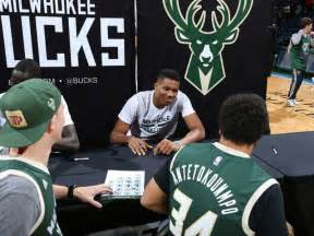 fan fest tickets 2017 5 reasons to go to bucks fan fest on sunday onmilwaukee
