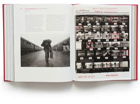 libro magnum contact sheets intl magnum contact sheets marc riboud eiffel tower painter 1953 collec magnum photos