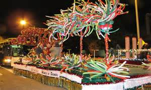 Classic christmas decorations small town parade float ideas christmas