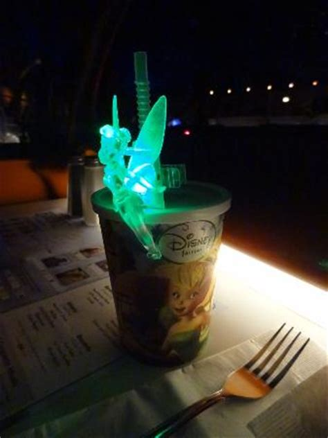 tinkerbell light picture of sci fi dine in theater