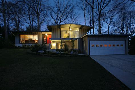gästebad modern in town mid century modern home just listed domorealty