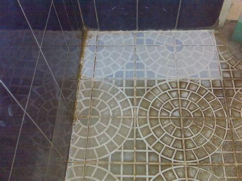 Pembersih Kotoran Kerak Air Napoclean jual cairan pembersih kerak keramik kamar mandi 081 333
