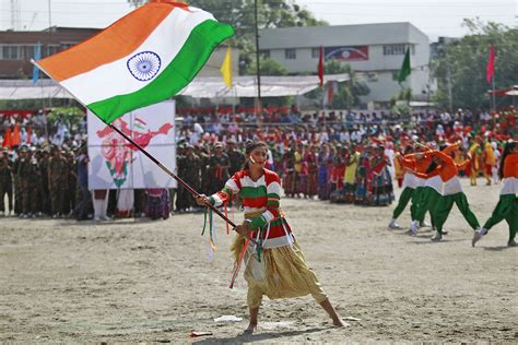 india independence day india celebrates independence day india al jazeera