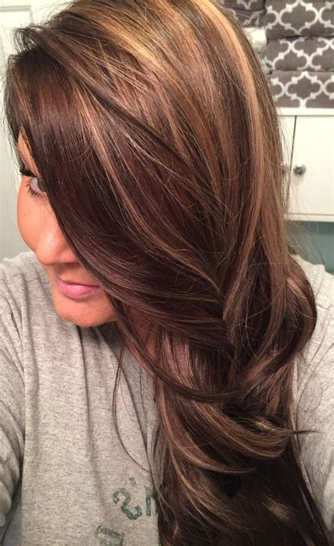 honey brown haie carmel highlights short hair honey brown hair with caramel highlights women hairstyle