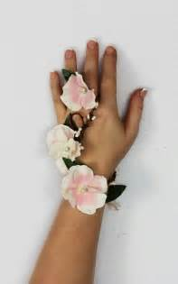 How To Make Wrist Corsages Prom Corsage Ideas 2017 S Biggest Pinterest Trends Flare