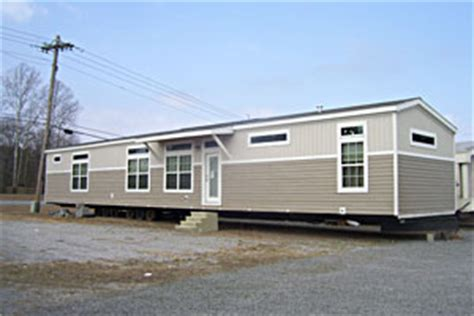 the 2011 frankline 16x80 is a great single wide mobile home
