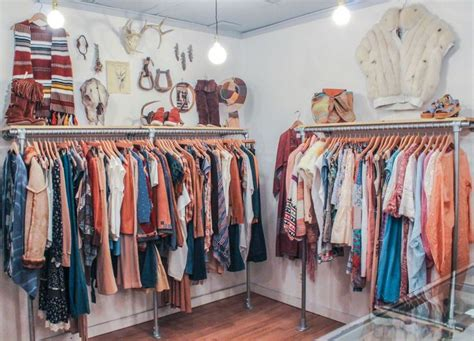 25 best ideas about vintage clothing stores on