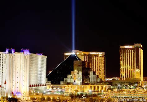 las vegas lexus hotel luxor hotel the pyramid casino of las vegas trip tips