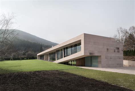 io casa gallery of slight slope house i o architects 10