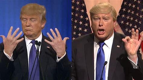 where does trump live snl mocks trump s hand size feud cnn video