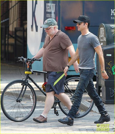 philip seymour hoffman laugh justin theroux lunch with philip seymour hoffman photo