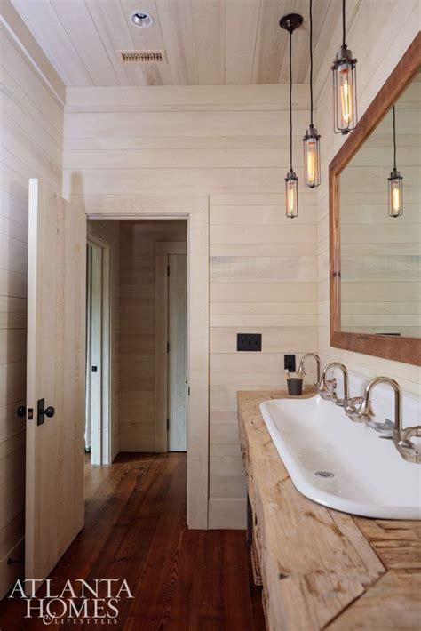 lake house bathroom ideas best 25 hunting lodge interiors ideas on pinterest