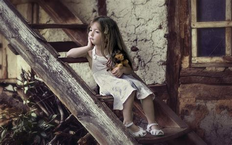 Little Alone Girl HD Wallpaper   StylishHDWallpapers