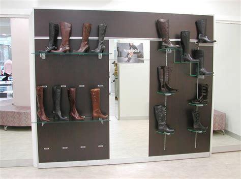 arredo negozio scarpe arredo negozi pelletteria calzature arredamento mensoloni