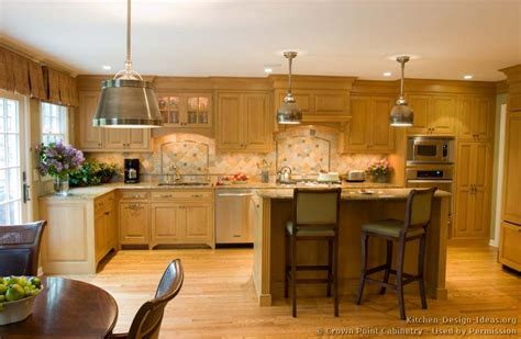 Kitchen Color Ideas With Light Wood Cabinets Choose The Best Kitchen Ideas Light Cabinets Kitchen And Decor