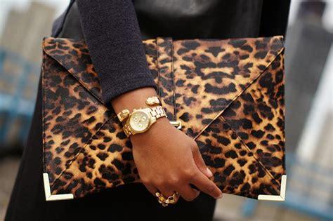 Tas Selempang Envelope Cheetah Goldslag Bag Envelope Cheetah Gold feestdagen fashion clutches tasjes inspiratie