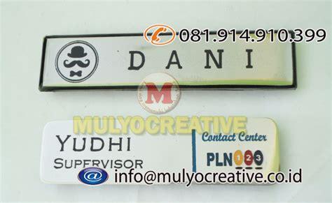 Nama Dada Name Tag Kuningan Resin Peniti Produk 10 pesan papan nama dada pesan name tag dada pesan nama magnet pesan name tag lencana pin